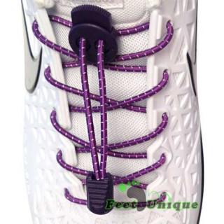 Raidalliset lukolliset violetit kengännauhat