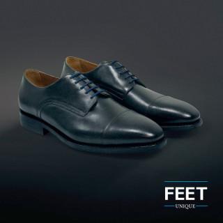Pyöreät laivastonsiniset puvun kengännauhat