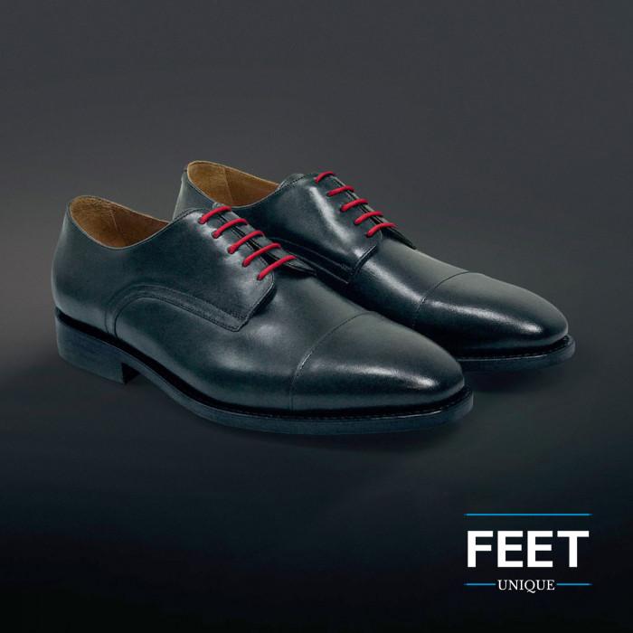 Pyöreät punaiset puvun kengännauhat