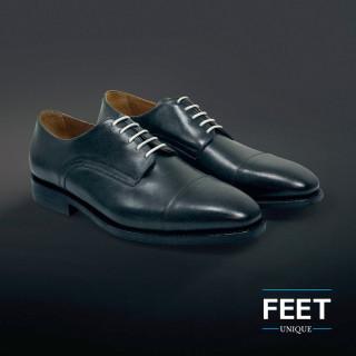Pyöreät valkoiset puvun kengännauhat