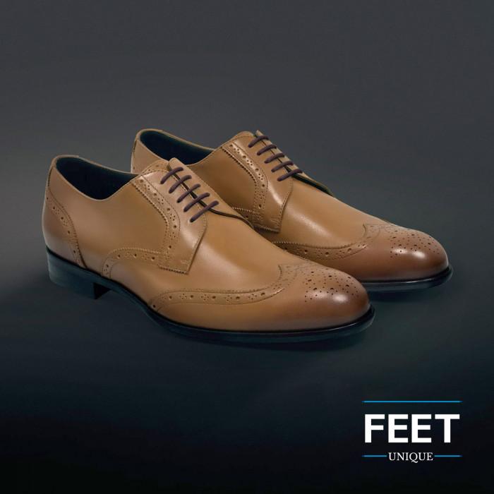 Pyöreät ruskeat puvun kengännauhat