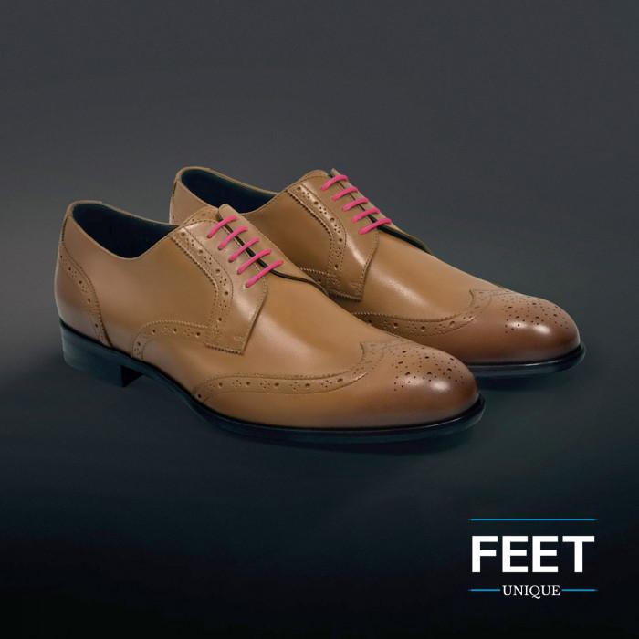 Pyöreät tumman pinkit puvun kengännauhat