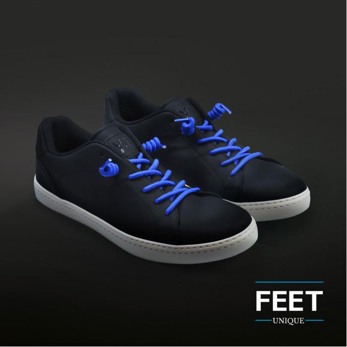 Siniset kiharaiset kengännauhat