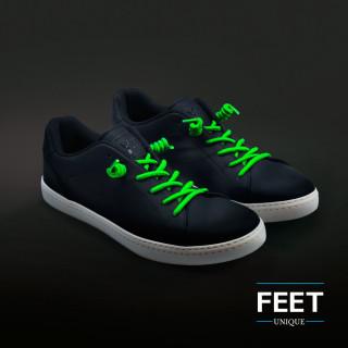 Neonvihreät kiharat kengännauhat