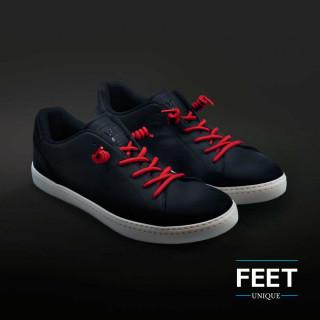 Punaiset kiharaiset kengännauhat