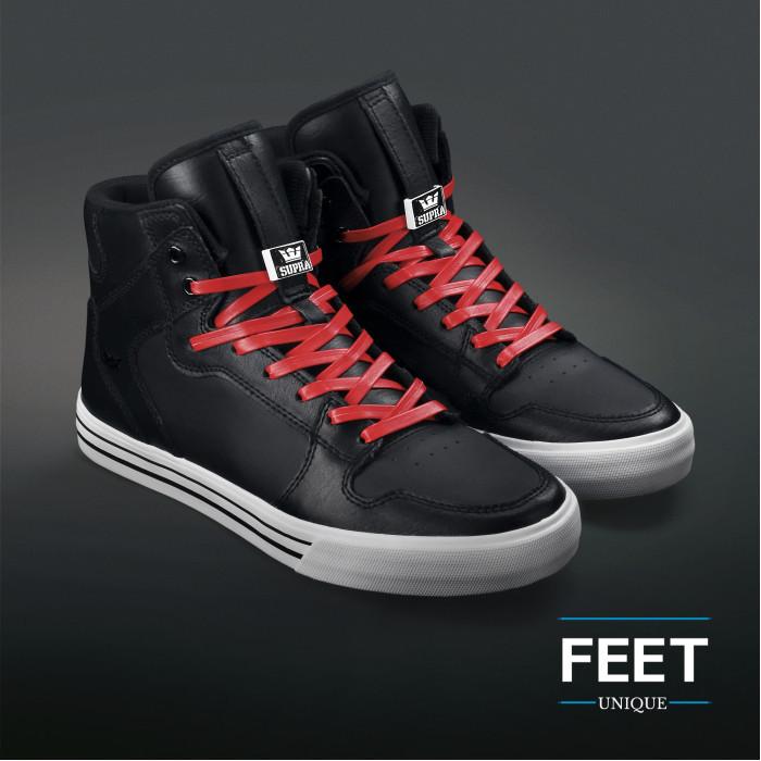 Punaiset nahkaiset kengännauhat