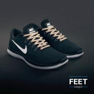 Soikeat vaalean ruskeat kengännauhat