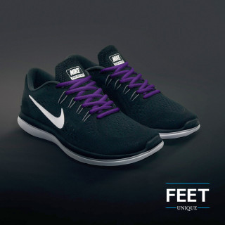 Soikeat violetit kengännauhat