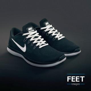 Soikeat valkoiset kengännauhat
