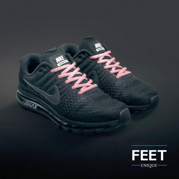 Soikeat pinkit kengännauhat