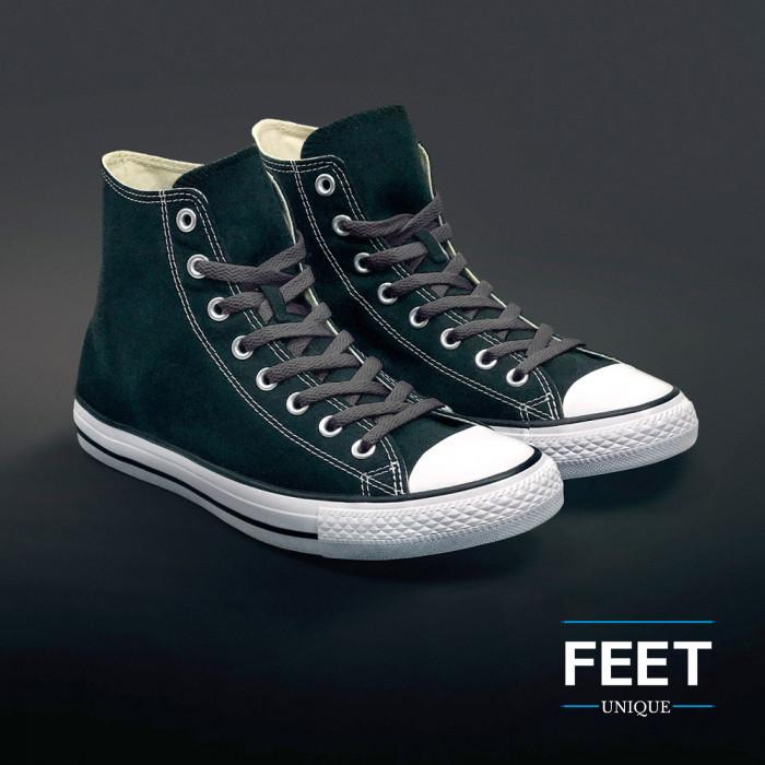 Litteät tumman harmaat kengännauhat