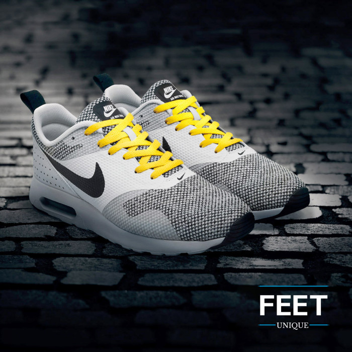 Litteät keltaiset kengännauhat