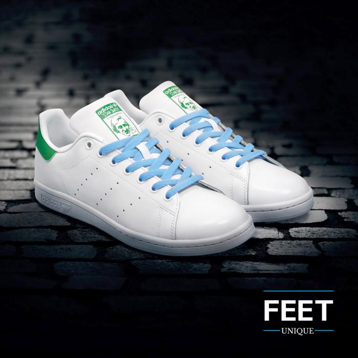 Litteät vaalean siniset kengännauhat